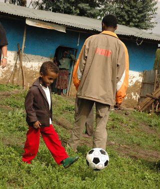 Heart kid soccer bal 2